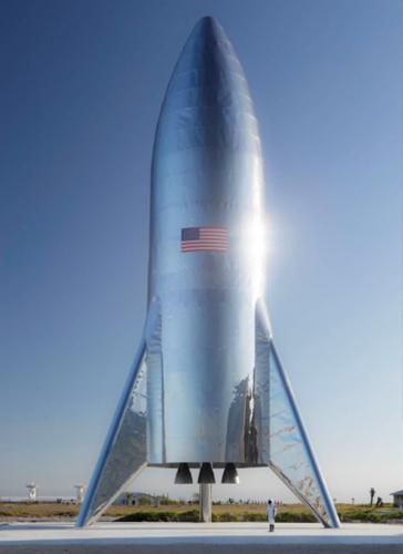 马斯克专访:特斯拉钢铁侠为何选用不锈钢造太空飞船