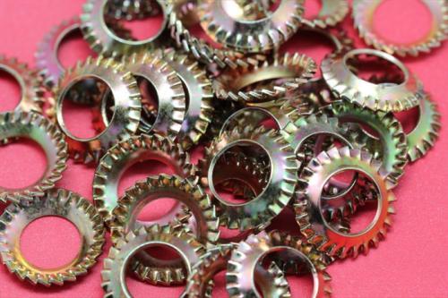 镀锌锥形外锯齿锁紧垫圈GB956.2