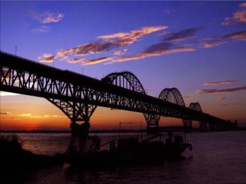 铁路钢桥高强度螺栓连接施工若干问题探讨